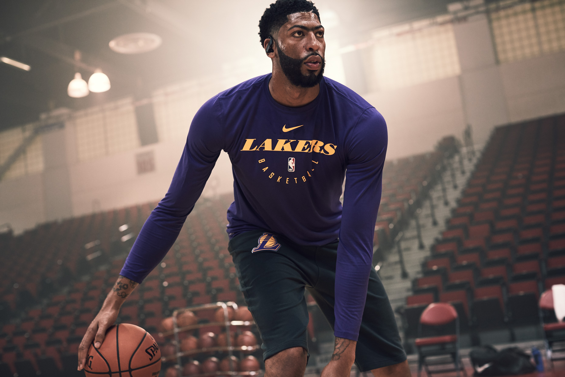 NBASEASON2_ANTHONYDAVIS_POWERBEATSPRO_BLACK_2000